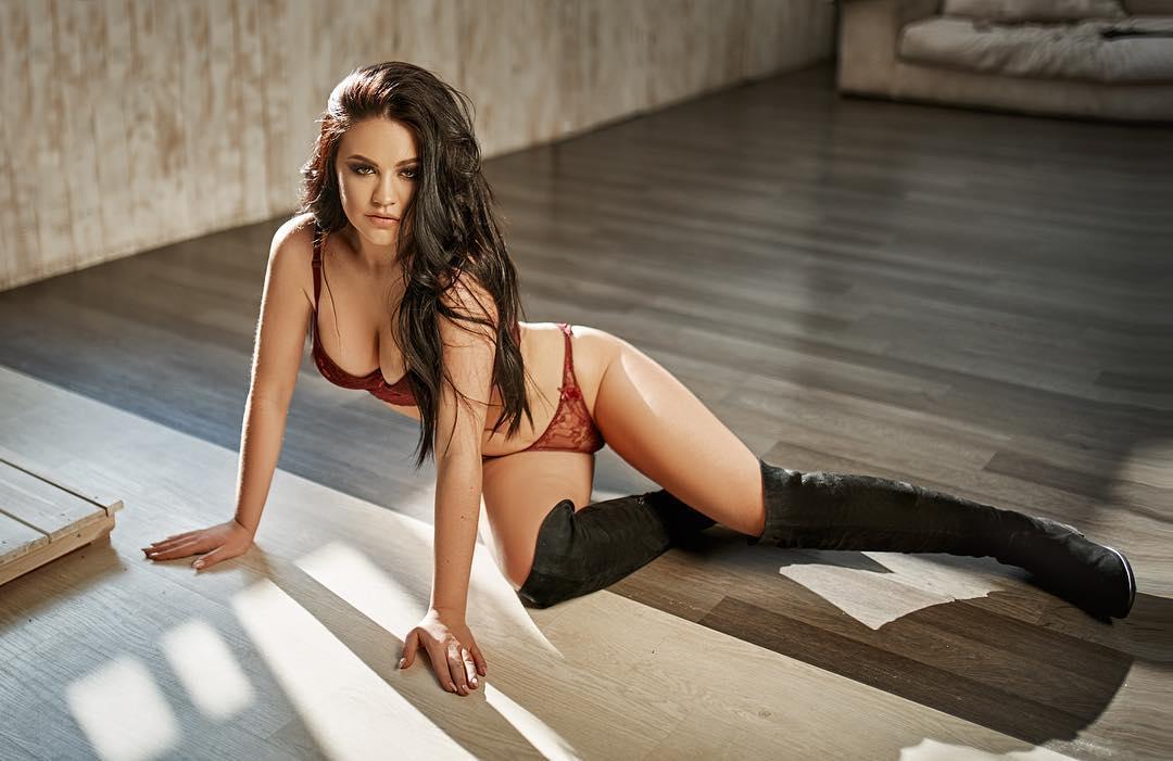 Beautiful Greek Women fixation on more