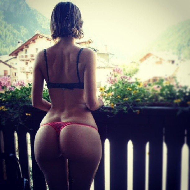 Beautiful Costa Rican Women points have